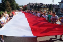 stumetrowa flaga na rynku i rozdanie nagród w konkursie historycznym
