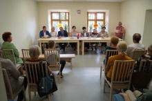 Narodowe czytanie 8 nowel polskich w klubie senior+ w lanckoronie
